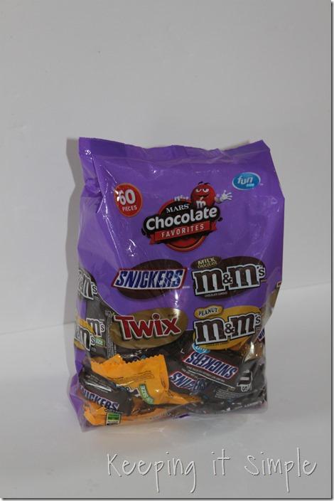 #ad Halloween-candy-bar-wrappers-with-Halloween-jokes-printable #BooItForward (2)