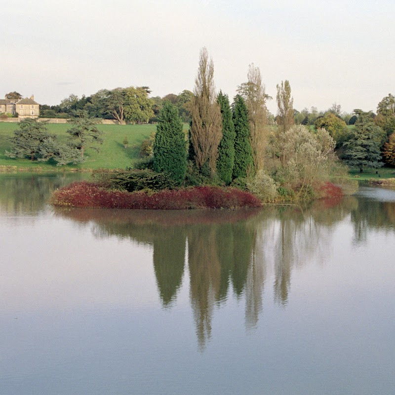 Blenheim_02 Lake.jpg