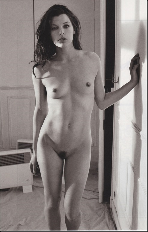Naked-Nude-Celeb-Milla-Jovovich-with-Erect-Nipples-4