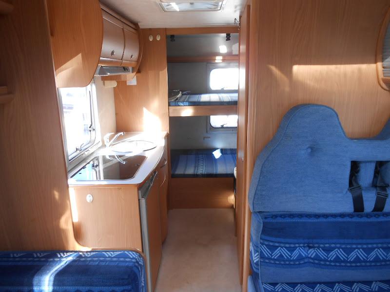Blucamp Sky 450 #Camper mansardato usato con letti a castello in ...