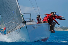 J/35 sailing team reaching for it!