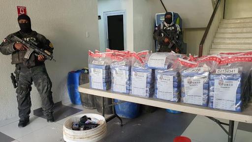 Agentes DNCD ocupan 263 paquetes de cocaína en las costas de Barahona