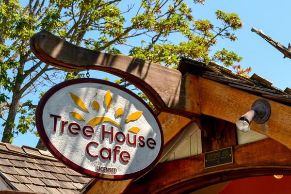photo TreeHouseCafe-4_zps1e443cfd.jpg