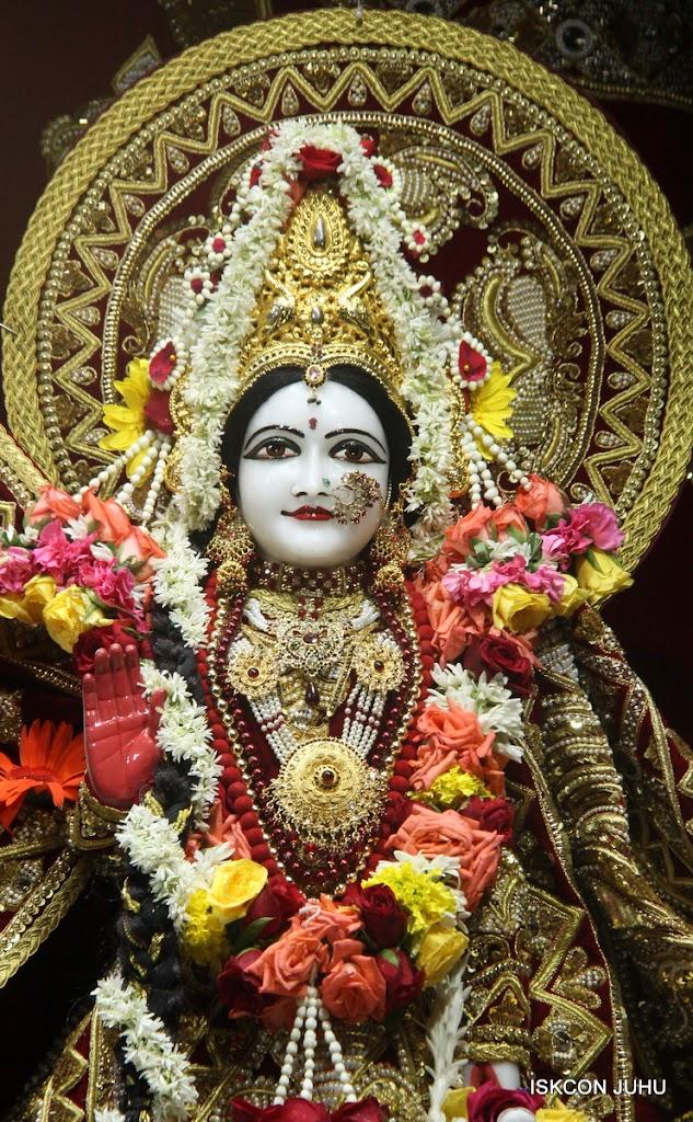 ISKCON Juhu Sringar Deity Darshan on 5th Aug 2016 (31)