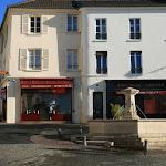 Place Roger Levanneur (ancienne place du marché)