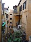 Výhľad z okna nášho hostelu
