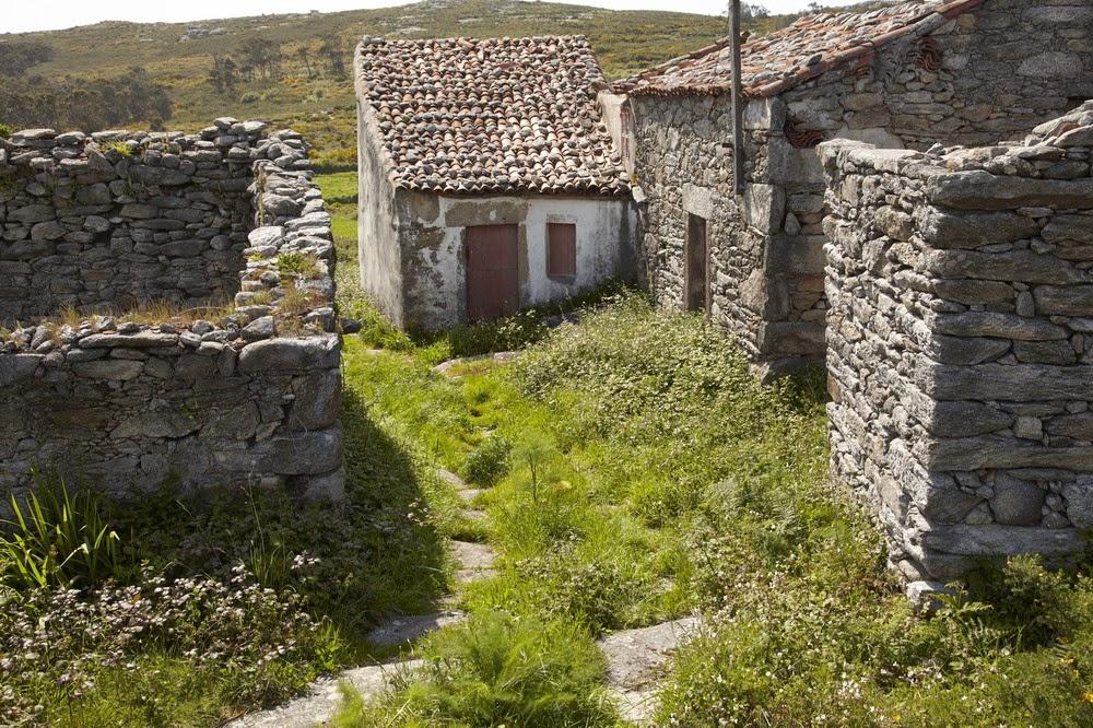 Aldea en venta galicia magn ficas panor micas frente al - Casas rurales de galicia ...