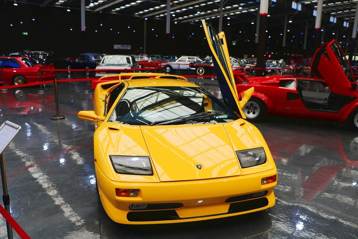1999 Lamborghini Diablo (02).jpg