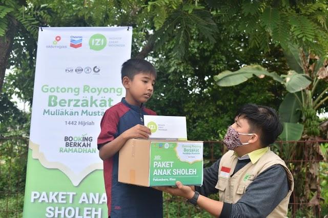 Gotong Royong, PT. Chevron Pacific Indonesia & IZI Riau Salurkan Paket Anak Sholeh Untuk Anak Yatim dan Dhuafa