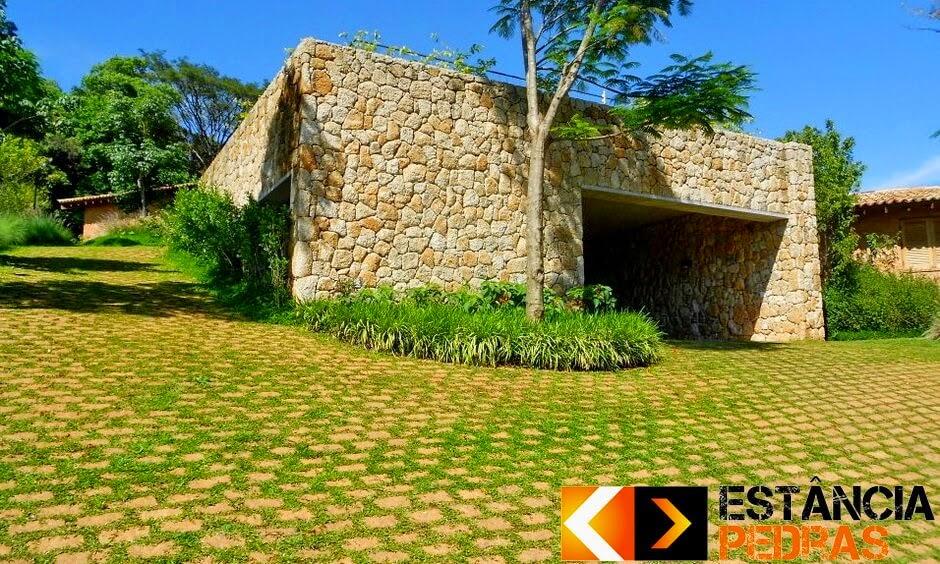 Calçamento com Paralelepípedo em Santa Mariana (região) Feito com Pedras da Estância Pedras