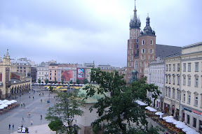Krakow market square - looks a lot like Wroclaw's, doesn't it?