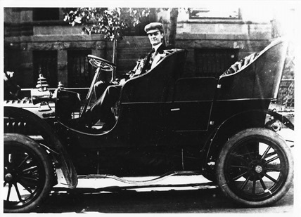 Warner Franklin photo in car