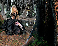 blondes women trees forest sitting 1280x1024 wallpaper