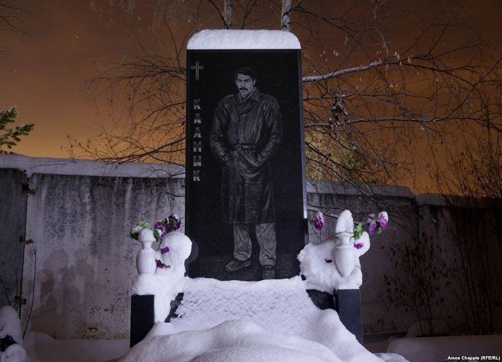 gangster-cemetery-yekaterinburg-19
