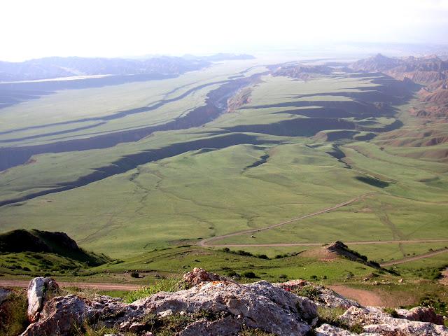 Tian Shan : Syrt dans la chaîne du Baybiche Tau, Kyrgyzistan, juillet 2009. Photo : J. Ouvaroff