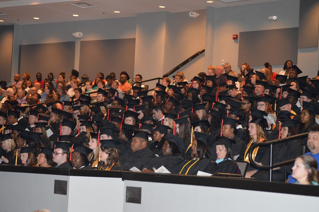 UAHT Graduation 2016 - DSC_0365.JPG