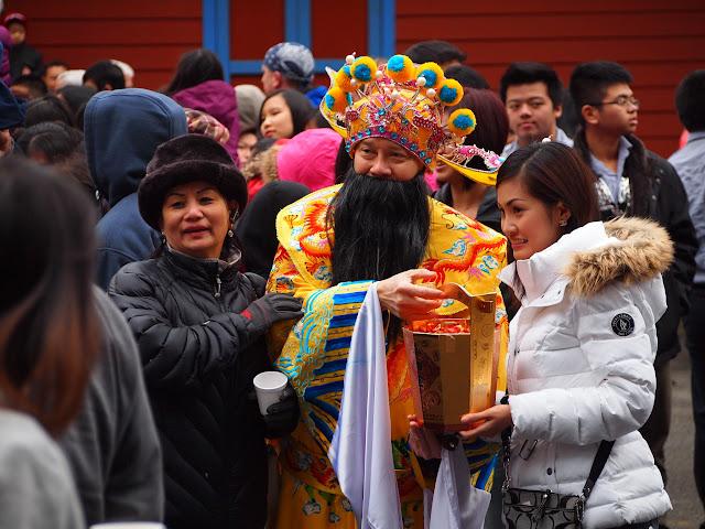 2013 Rằm Thượng Nguyên - P2231975.JPG