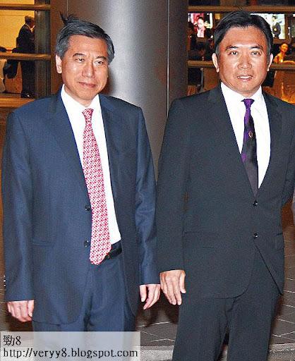 殼王開聲,李寶安(左)對四大不再企硬,版稅問題才得以解決。