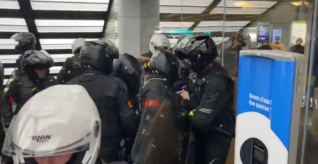 VIDEO - Wanita cuba masuk mall tanpa lengkap vaksin dipukul polis