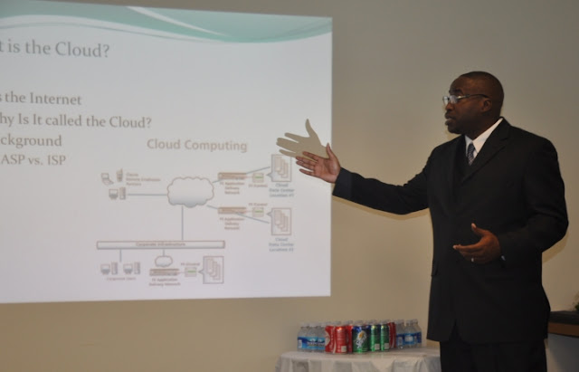 Aug. 2011: Cloud Computing Unleashed - DSC_0017.JPG