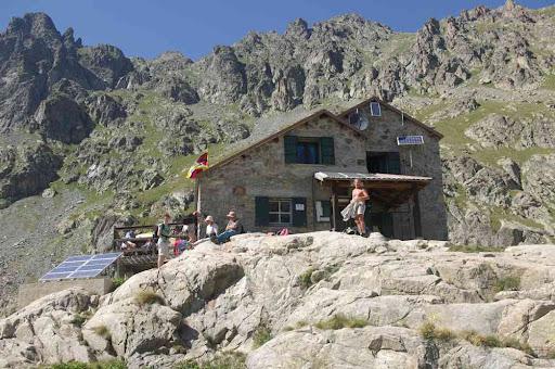 Le refuge de Valmasque (refuge du Club alpin français !)