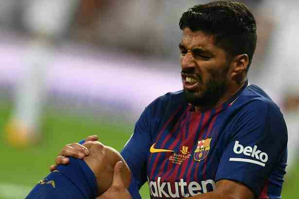 Knee injury rules Luis Suarez out for one month