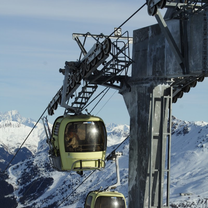 Meribel_43 Tougnete Gondola.jpg