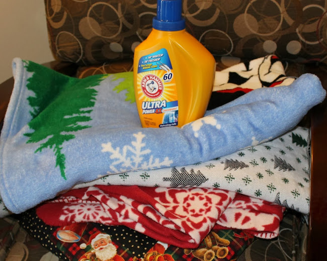 Arm & Hammer Laundry Detergent Keeps Us #HolidayFresh #MC