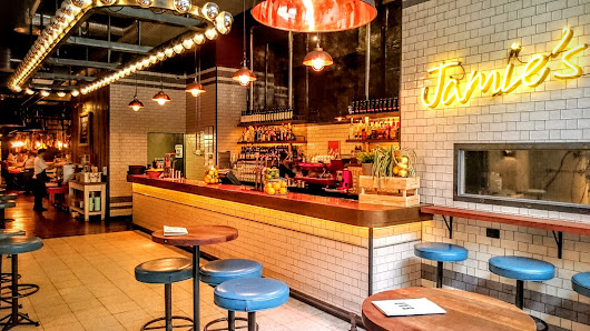 Google review of Jamie's Italian Brisbane by Sean Robinson