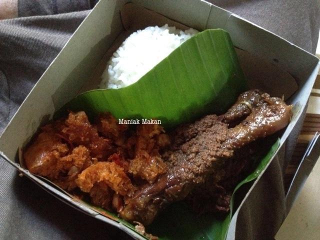 maniak-makan-gudeg-populer-yu-djum-yogyakarta-jawa-tengah