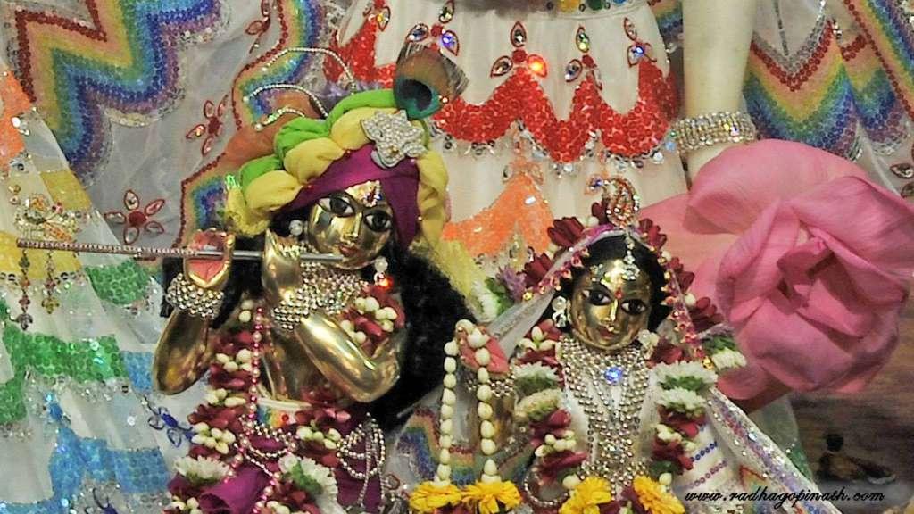 ISKCON Chowpatty Deity Darshan 20 Dec 2015 (7)