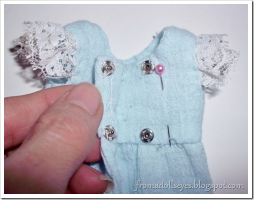 Cute yosd ball jointed doll dress tutorial.
