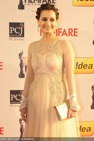 Dia Mirza flashes a million-dollar smile during the 58th Idea Filmfare Awards 2013, held at Yash Raj Films Studios in Mumbai.Click here for:<br />  58th Idea Filmfare Awards