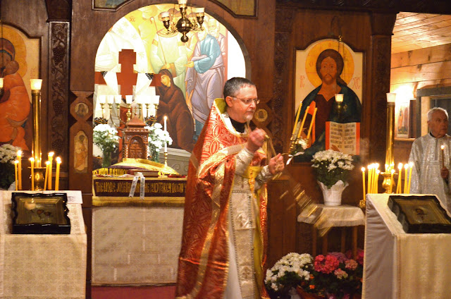 Fr. John censes the Church and faithful during the Paschal Canon - his vestments changing color with each ode!