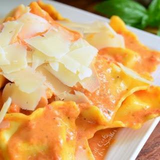 Ravioli in Creamy Red Pepper Sauce Recipe