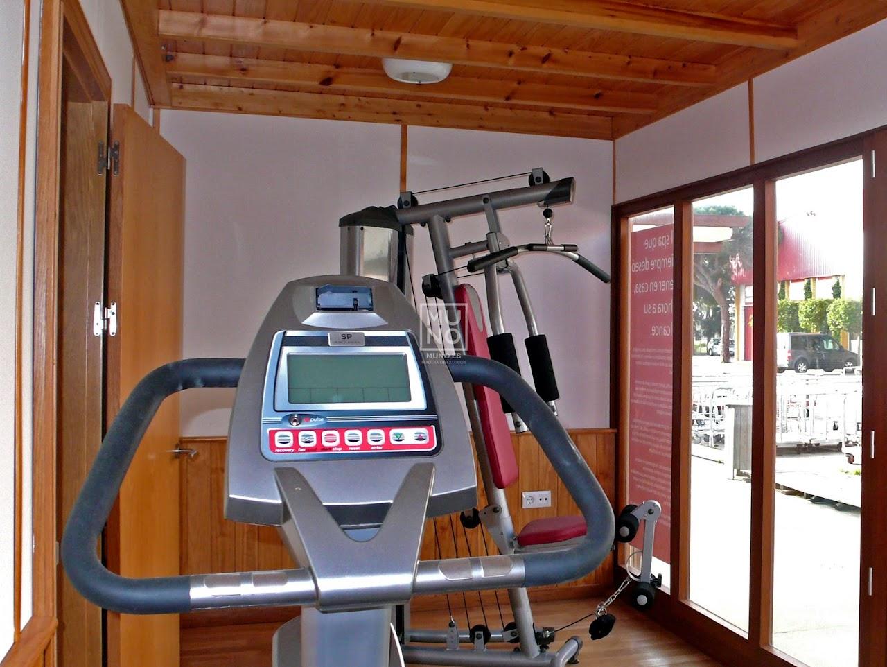 Pasarela madera restaurante madera chiringuito for Centro fitness