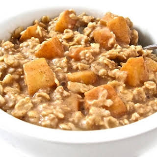Apple Pie Oatmeal, Healthy and Super Yummy.