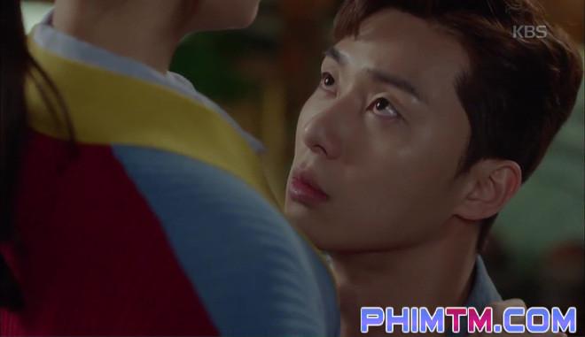 Nổi cơn ghen, Park Seo Joon… áp mặt sát vào Kim Ji Won - Ảnh 7.