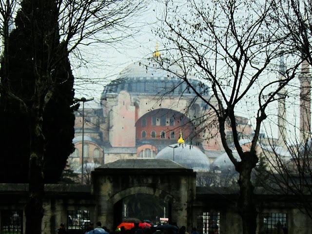 Santa Sofía dende o patio norte da Mezquita Azul