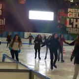 2015-12-18 Activitat lúdica de CAI a la pista de gel