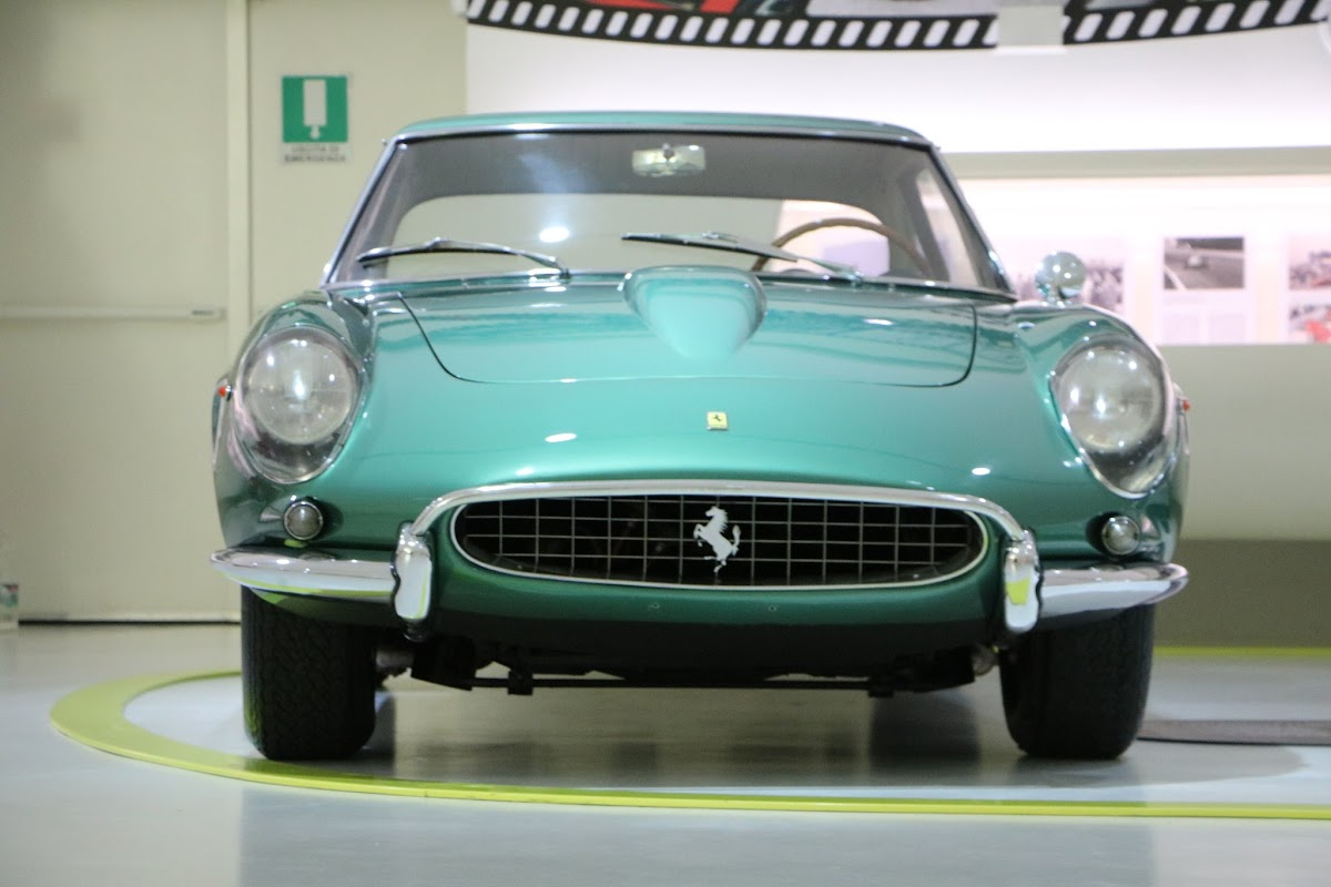 Modena - Enzo Museum 0049 - 1967 Ferrari 400 America.jpg
