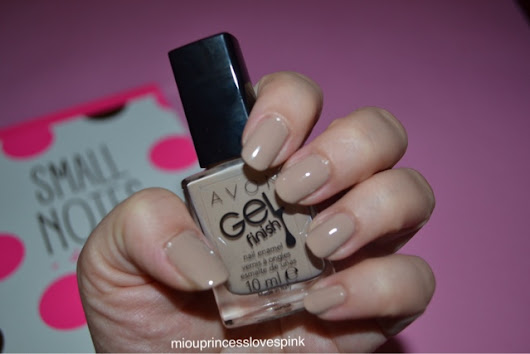 miouprincess loves pink!: NOTD: Avon 'Barely There' gel finish nail polish