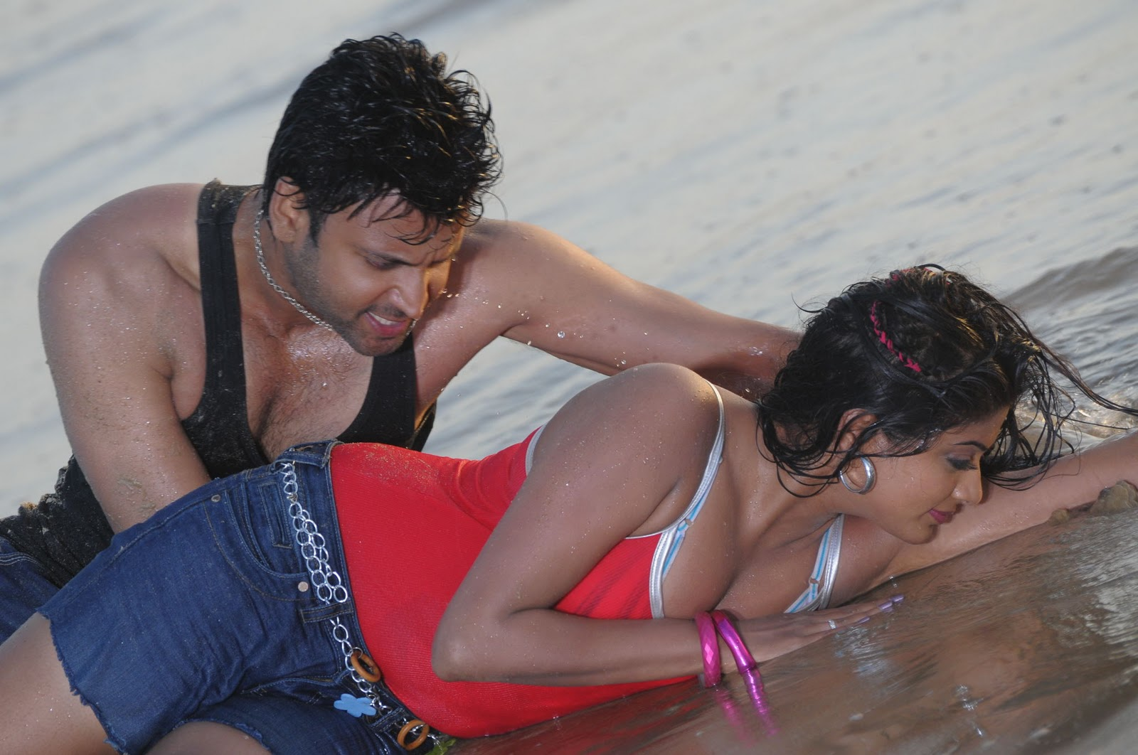 sumanth locks lips with priyamani and vimala raman pics hot stills pics telugu movies