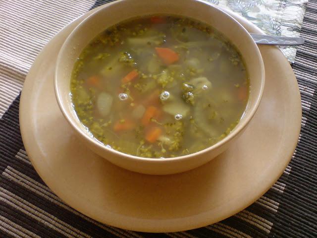 Zupa brokułowa z curry