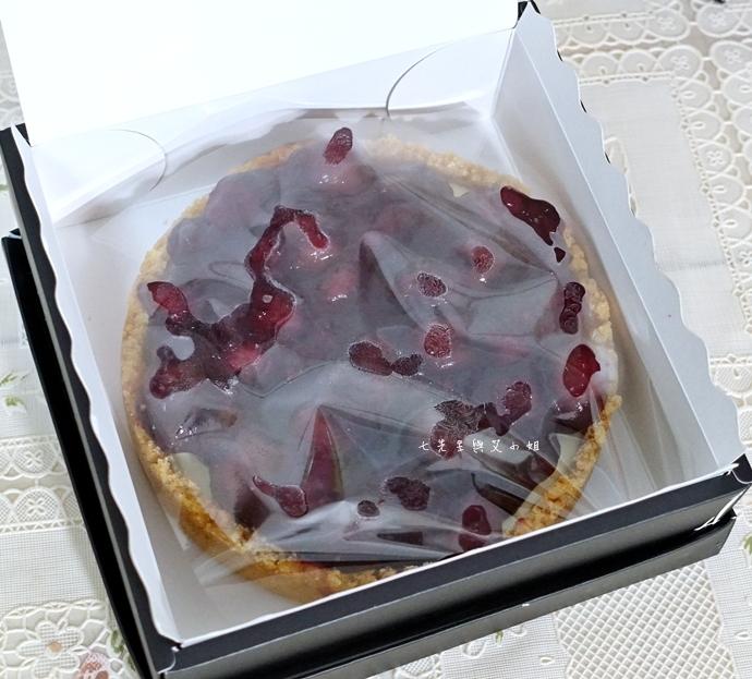 10 法國的秘密甜點諾曼地牛奶蛋糕北海道生淇淋捲森林莓果佐起士
