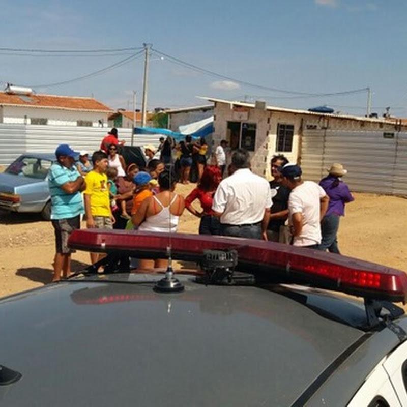Ex-moradores da Favela do Tranquilim ocupam área do Residencial Maria Odete