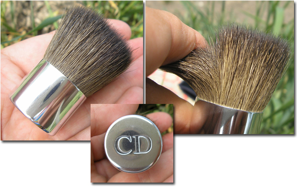 Dior Natural Glow Fresh Powder Makeup SPF 10 - 040 Honey Beige - кисть