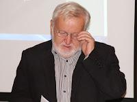 06 Praznovszky Mihály a közelmúlt Madách irodalmát foglalta össze.jpg