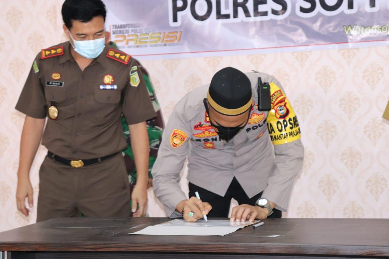 Polres Soppeng Gelar Penandatanganan Pencanangan Pembangunan Zona Integritas Menuju Wilayah Bebas Korupsi