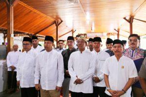 Rangkaian Hari Jadi Cirebon Ke-649 Diawali dengan Sholat Ashar Berjamaah dan Ziarah